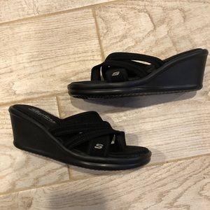 BNWT Skechers with Memory Foam Sandals